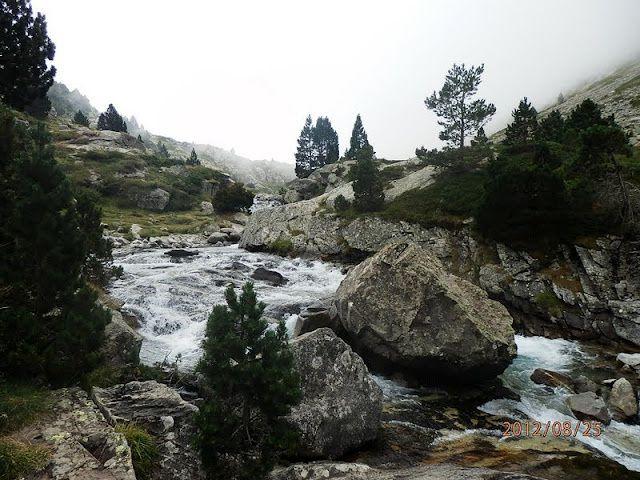 Près de 200 photos prises lors des 18 randonnées de la saison 2011-2012.