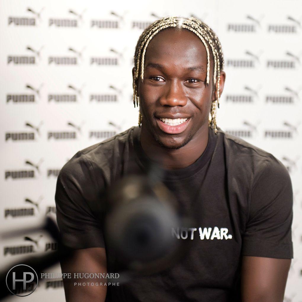 Les nouveaux ballons officiels de Ligue 1 et de Ligue 2 pour la saison 2010 - 2011 ont été présentés par Puma, fournisseur officiel.Portraits Nicolas Anelka, Fabrice Abriel, Bacary SagnaPhotographe : ©Philippe Hugonnard
