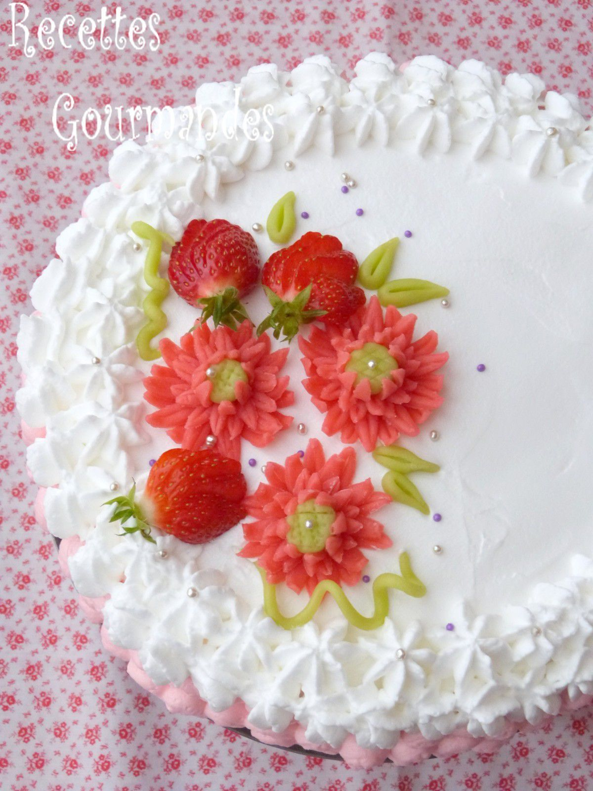 Decoration gateau a la creme chantilly - Decoration gateau avec creme chantilly ...
