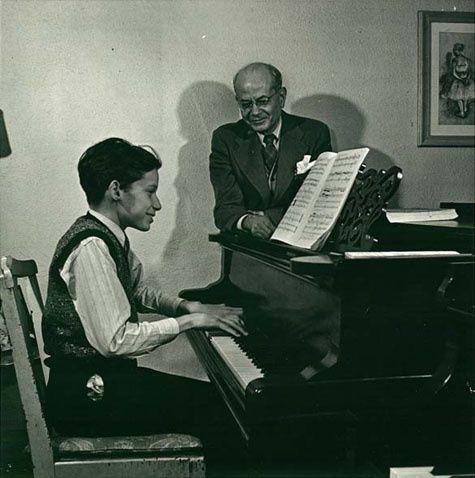 Glenn_Gould_and_Alberto_Guerrero.jpg