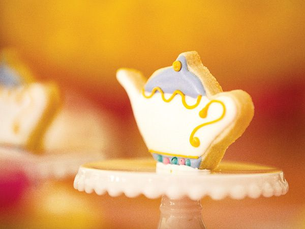 beauty-and-the-beast-theme-teacup-cookie.jpg
