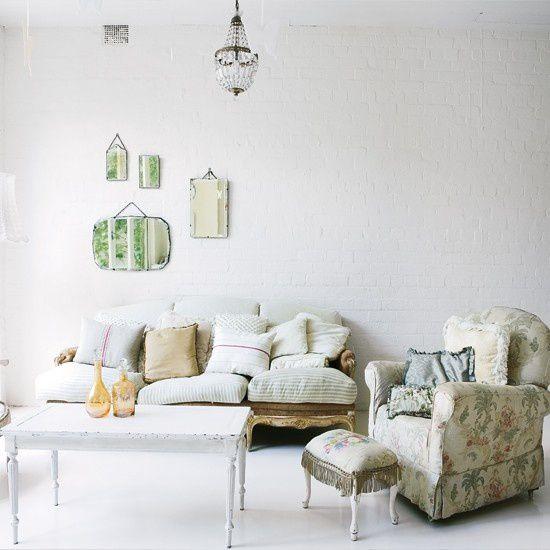 96_00000f1f7_d2b8_orh550w550_Living-room63.jpg