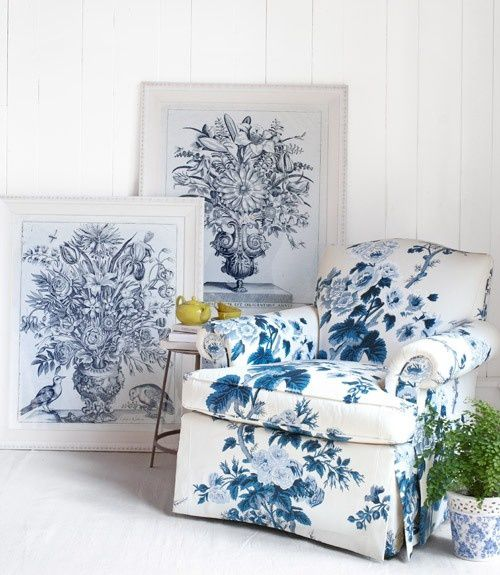 blue-and-white-armchair-blue-botanicals-0412-xlnrs_13323580.jpg
