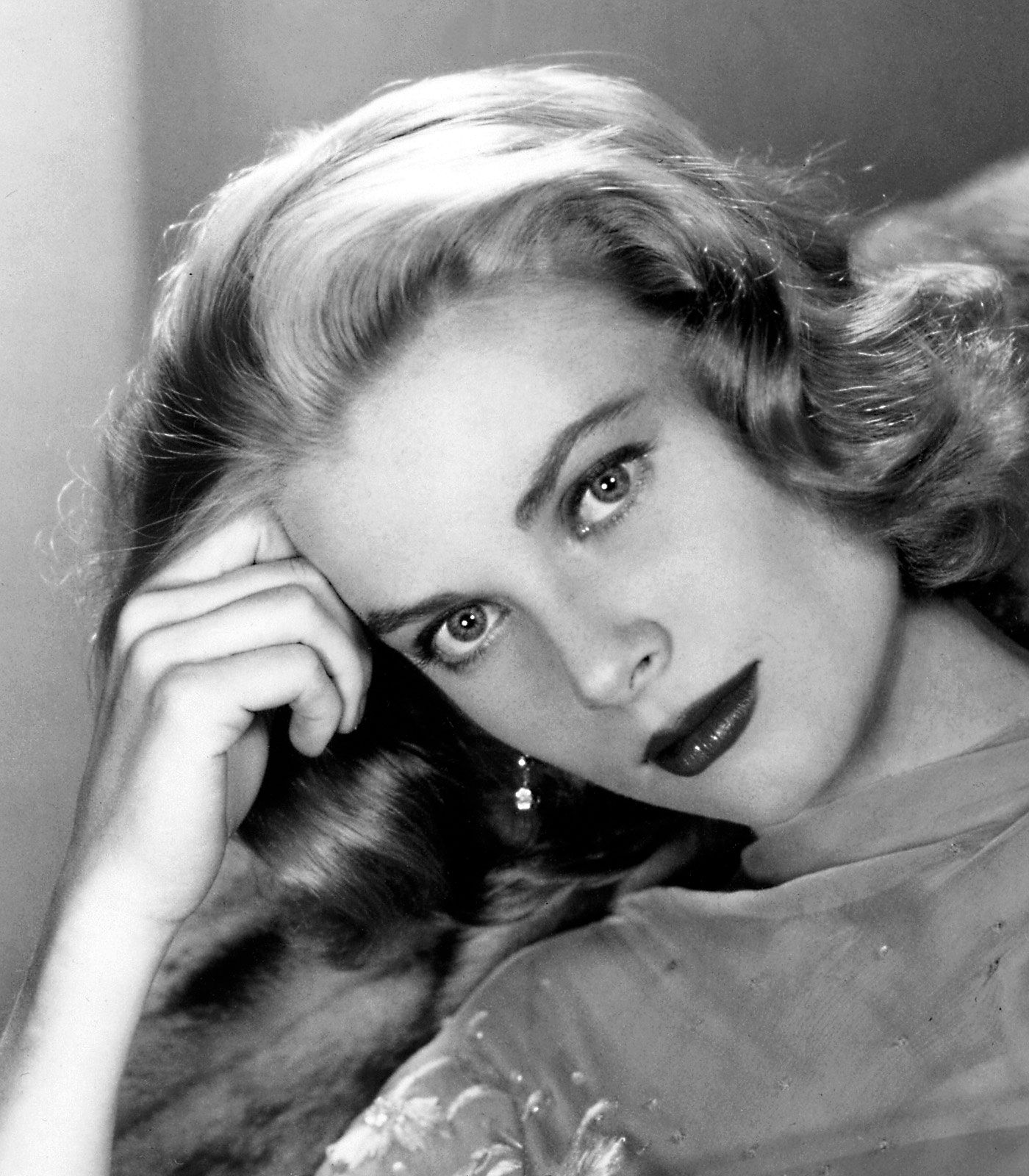 grace-kelly-beautiful-copie-1.jpg