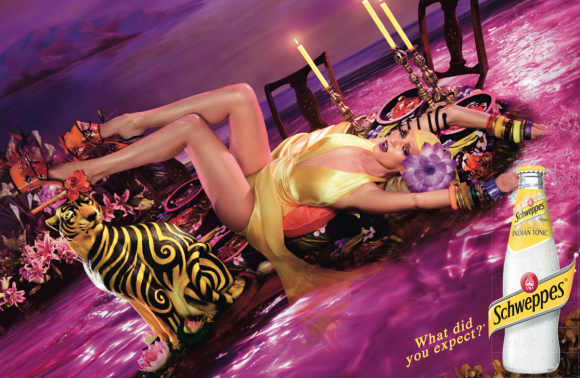 Uma-Thurman-x-David-Lachapelle-for-Schweppes-580x378.png