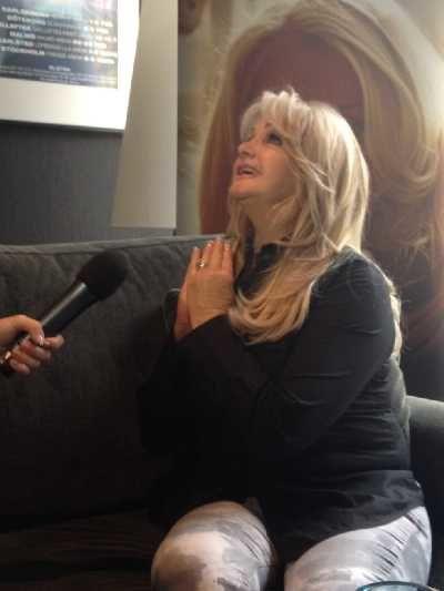Bonnie-Tyler-interview-for-TVR_2.jpg