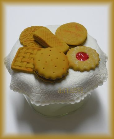 pot_biscuits_dentelle