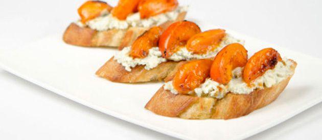 papillon-tartines-roquefort-mascarpone-abricots-roquefort.jpg
