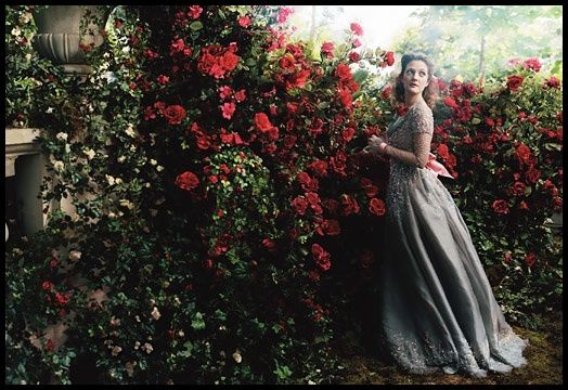 Annie Leibovitz Drew Barrymore The Beauty and the Beast 2