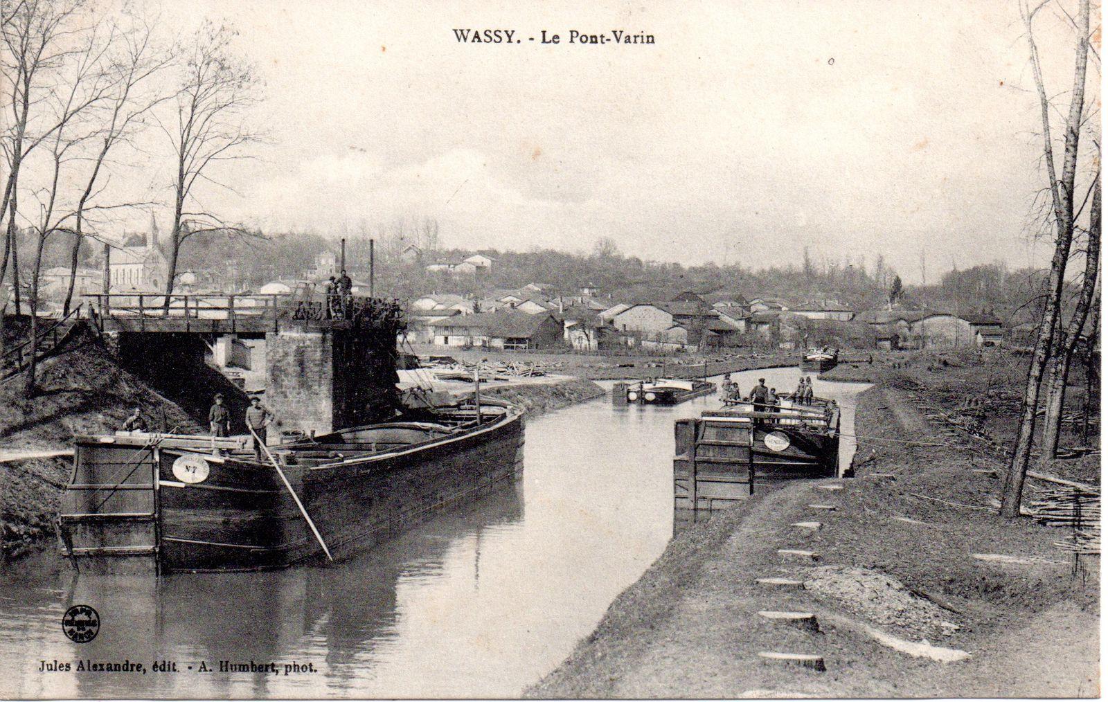 17 : le Pont de Mée à Melun en août 1944.       26 : Isle sur Marne