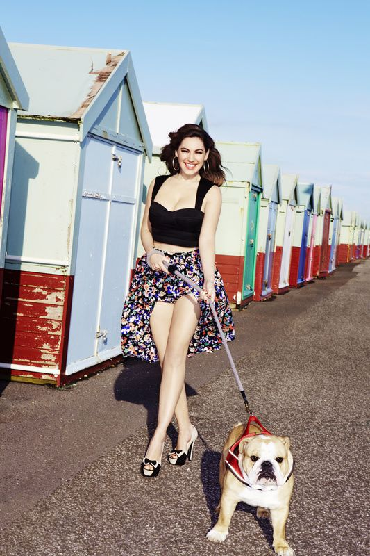 Kelly-Brook---SS12-Clothing-and-Accessories-Coll-copie-1.jpg