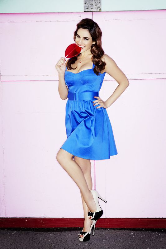 Kelly-Brook---SS12-Clothing-and-Accessories-Coll-copie-2.jpg