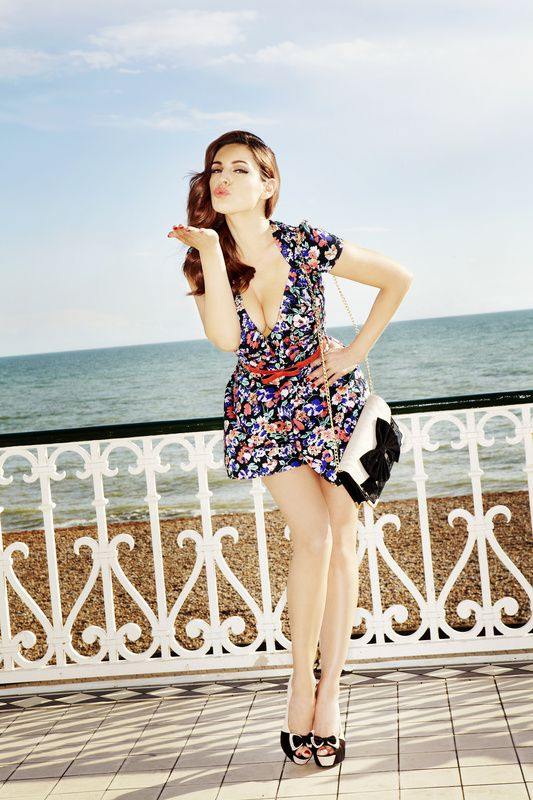Kelly-Brook---SS12-Clothing-and-Accessories-Collection-NL.jpg