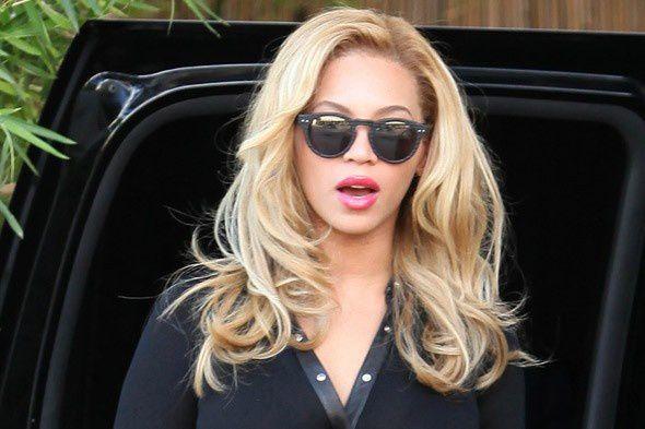 beyonce-blond-hair-bombshell-590bes-021611.jpg