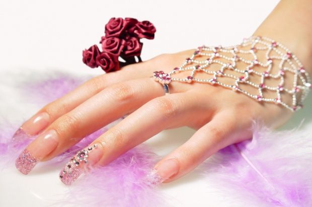 Bridal-Nail-Caring-and-Wedding-Nail-Art---DESIGN-N-copie-2.jpg