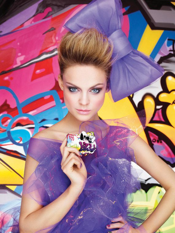 Hello_Kitty_Graffiti_Sephora_01.jpg