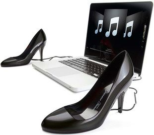 gimme-tunes-stylish-yet-craptastic-usb-speakers-for-fashion.jpg