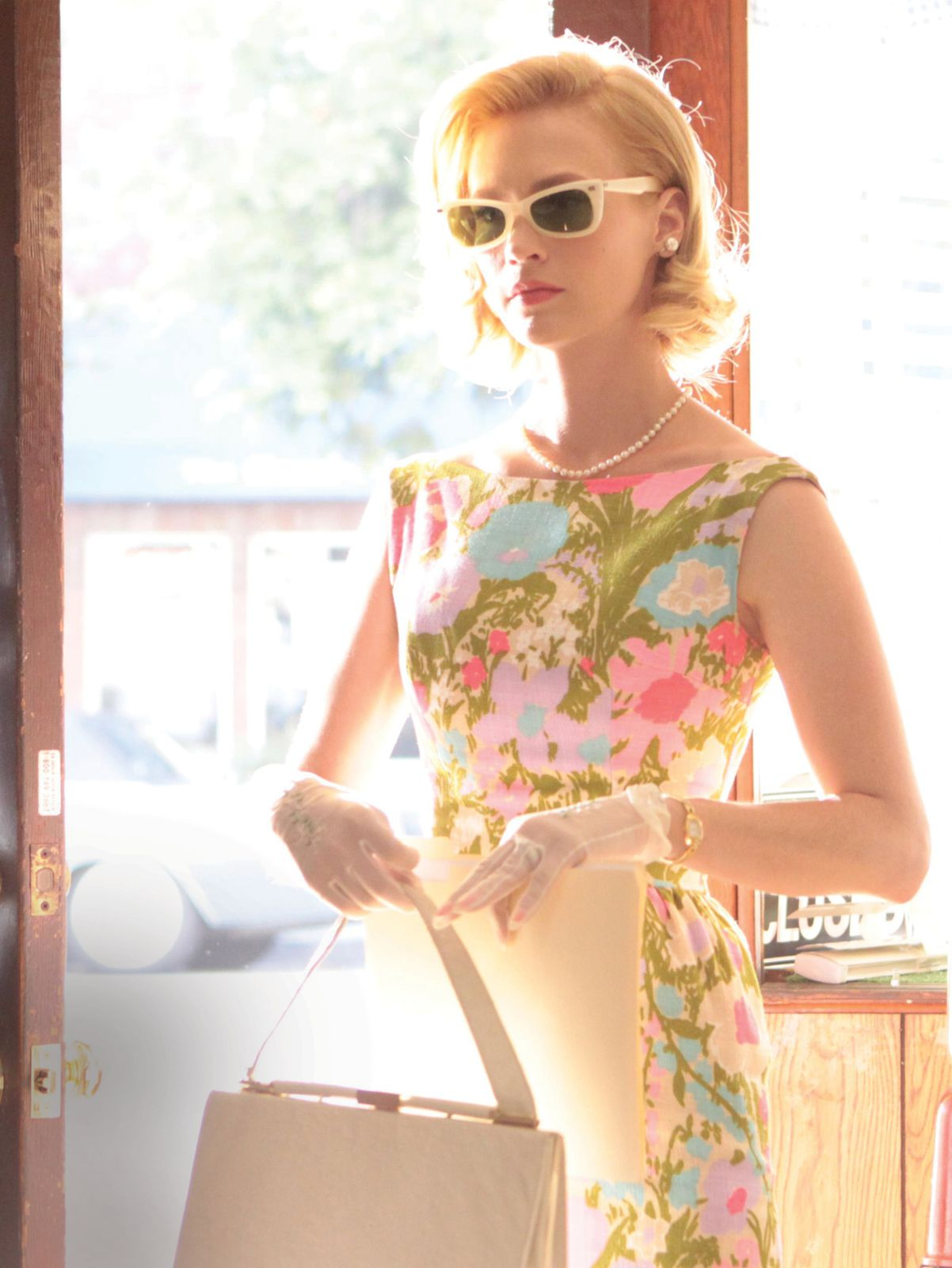 c41-Betty_floral-dress-and-sunglasses.jpg