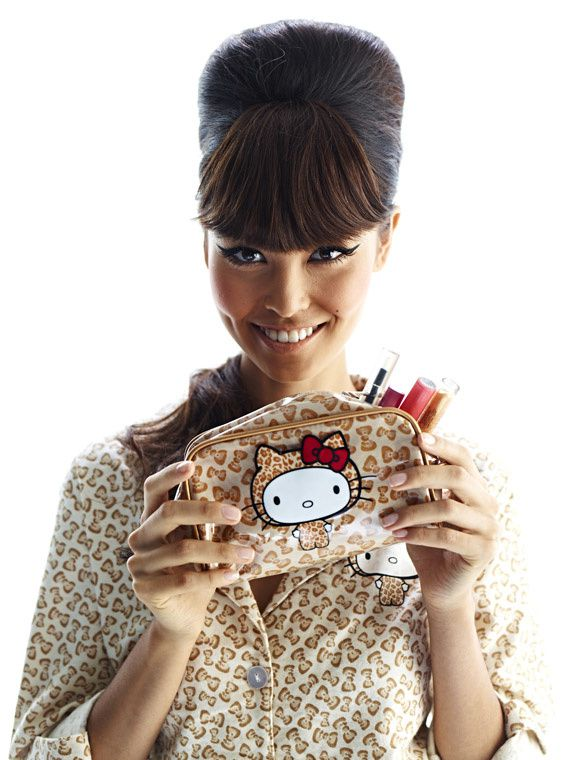 forever21-x-hello-kitty-holiday-007.jpg