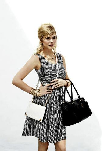 kate-upton-nouvelle-collection-ete-2013-accessorize--11-.jpg