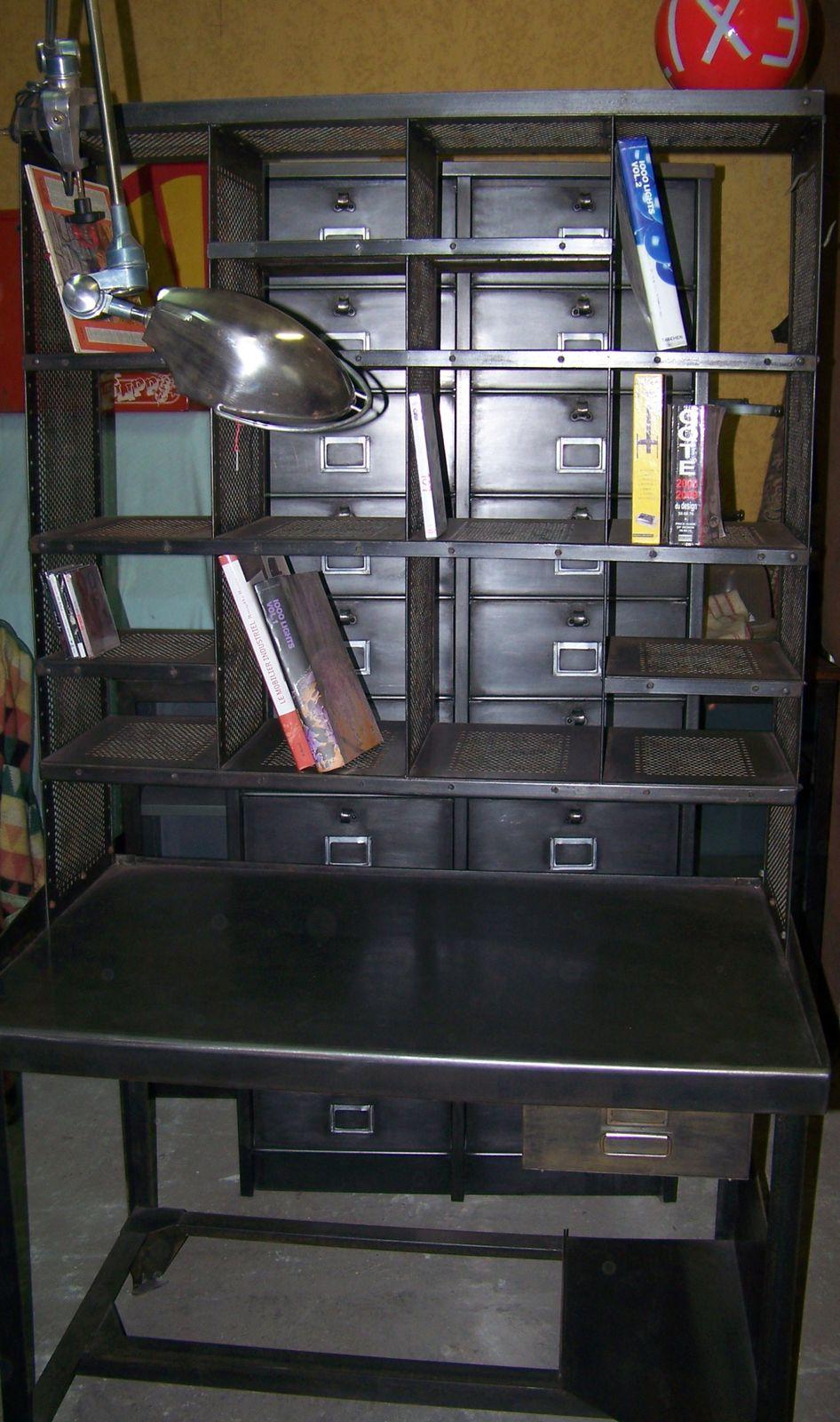 Nouveau meuble metier tri postal deco industriel design for Meuble bureau nimes