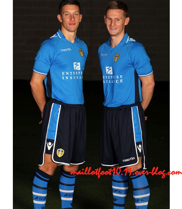 away-kit-leeds-2013.jpeg