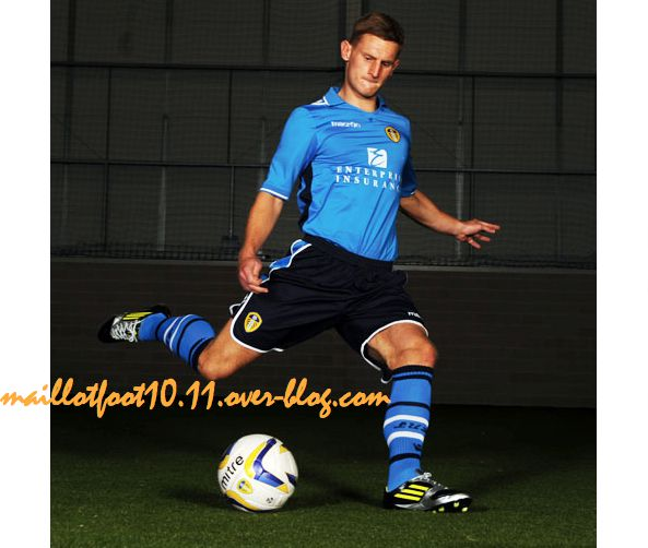 new-away-kit-2013-leeds-.jpeg
