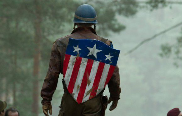 Captain-America-film-ET-photo-HD-Chris-Evans-Militaire-Bouc.jpg