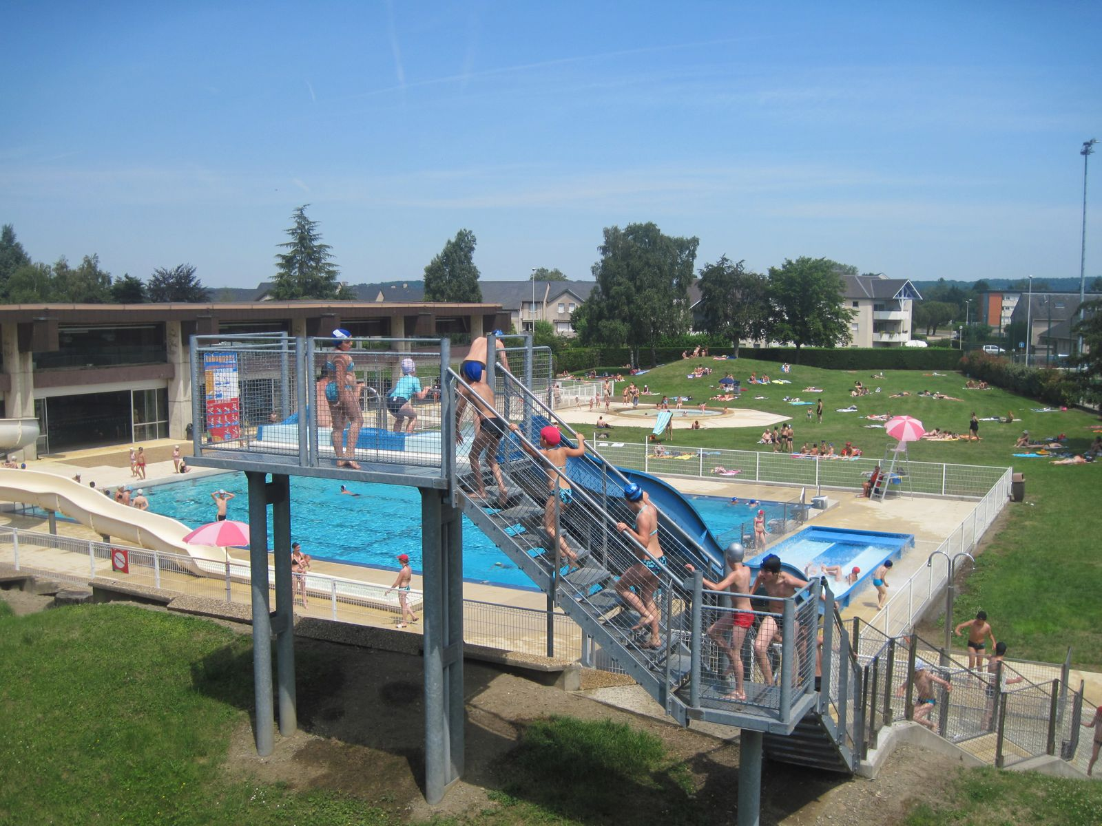Du toboggan for Centre du plateau piscine