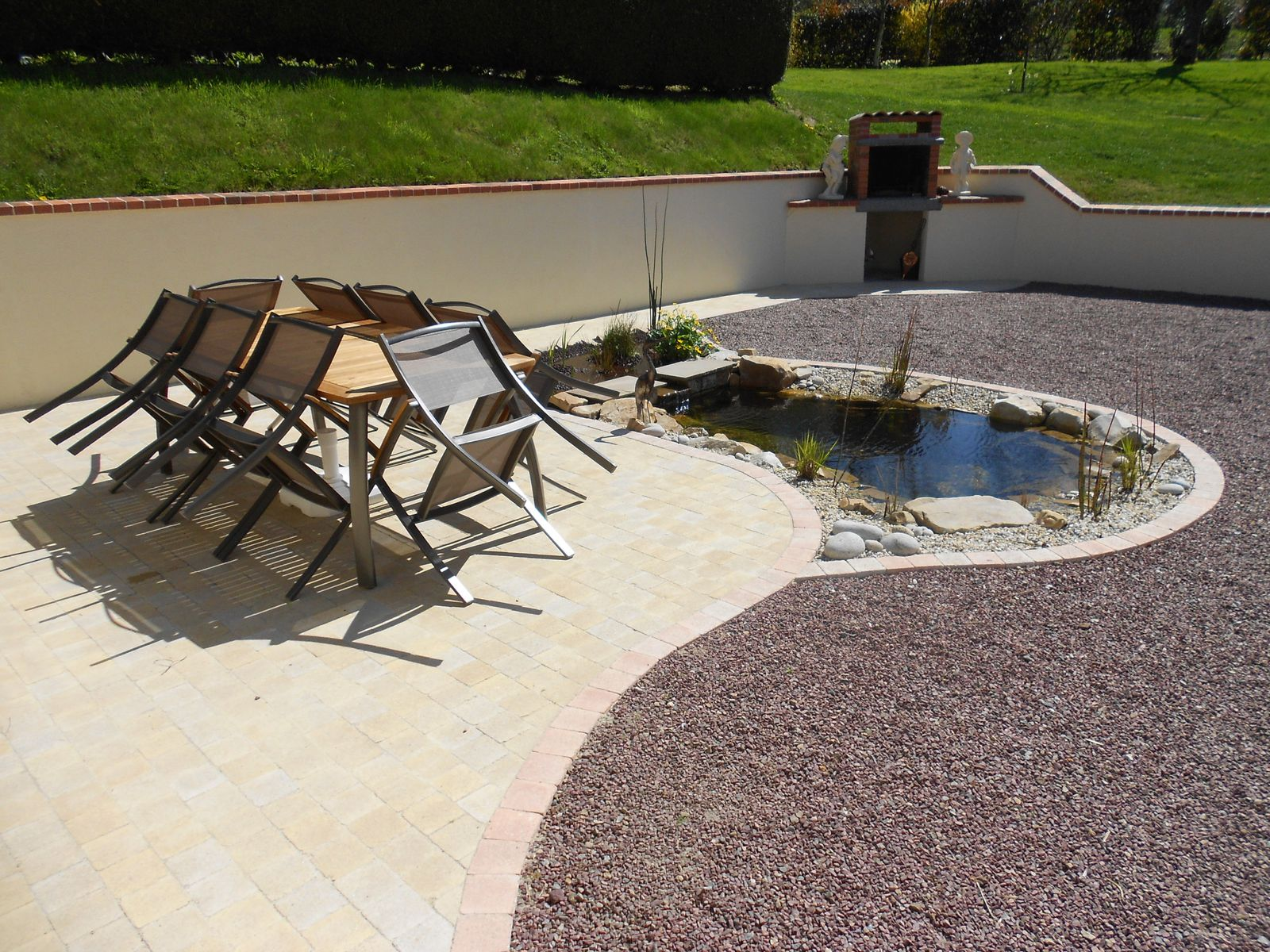 Album la r alisation de bassins au naturel de l 39 eau for Jardin 50m2 amenager