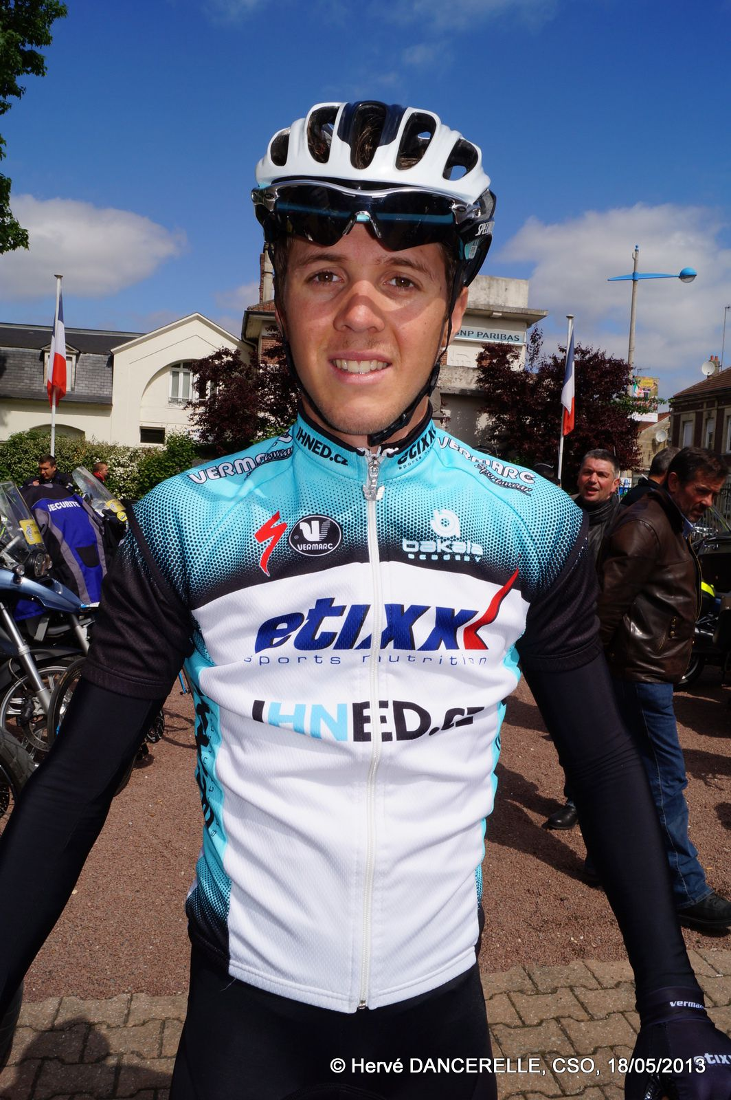 Album - 2013 05 18 ET 19 EQUIPES ET COUREURS-DU-PARIS-ARRAS-TOUR
