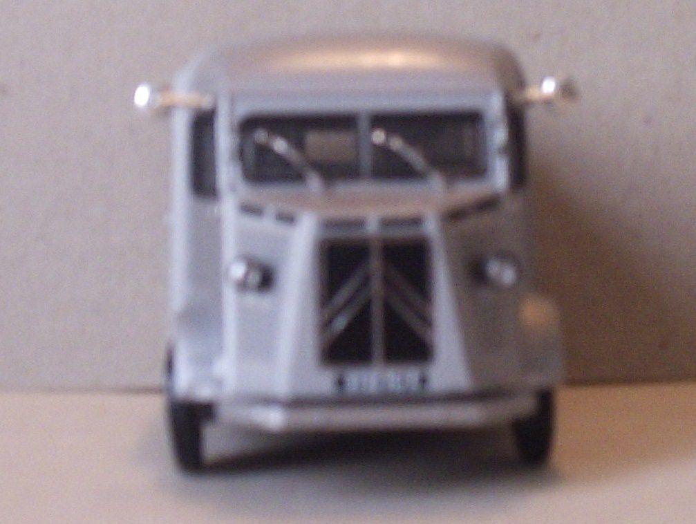 http://idata.over-blog.com/3/91/87/98/H-camionnette-1200kg-1948/P5240401.JPG