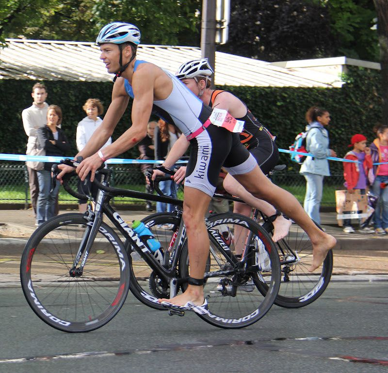 triathlon de paris chute et rechute le blog de jeremy. Black Bedroom Furniture Sets. Home Design Ideas