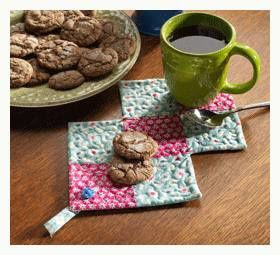 2703 quilted-gifts-mug-rug gif-550x0