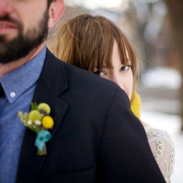 aqua-yellow-woodenlog-wedding-11