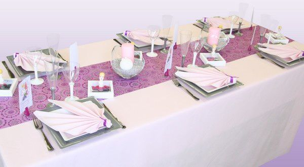 D coration de table communion rose prune et argent - Idee decoration de table pour communion fille ...