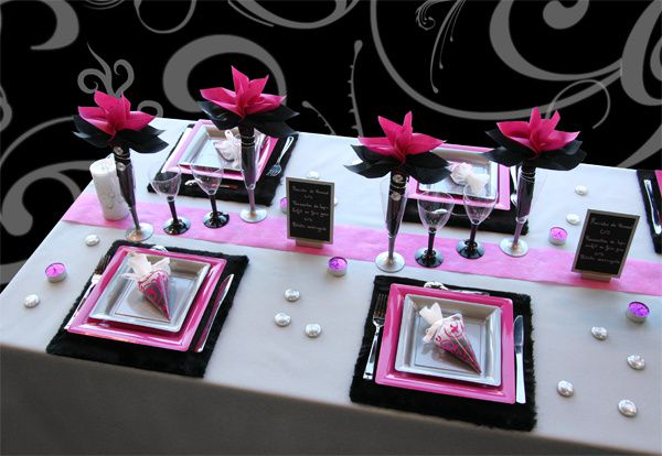 d coration de table no l argent noir fuchsia. Black Bedroom Furniture Sets. Home Design Ideas