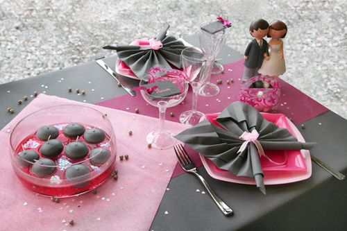 Mariage 8 aout on pinterest mariage plan de tables and rose for Deco table blanc et gris