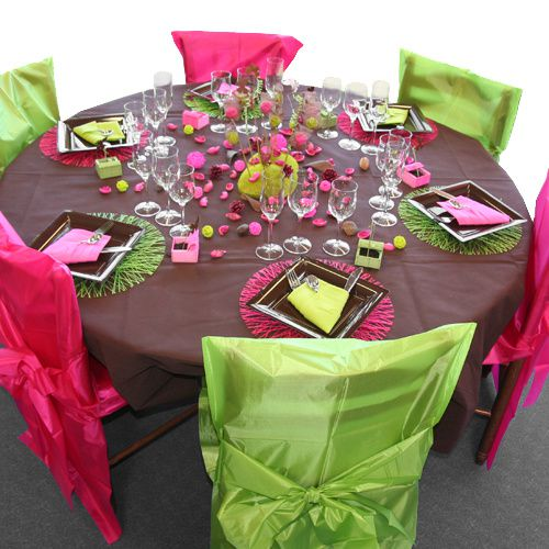 d coration de table vert anis chocolat fuchsia d corations f tes. Black Bedroom Furniture Sets. Home Design Ideas