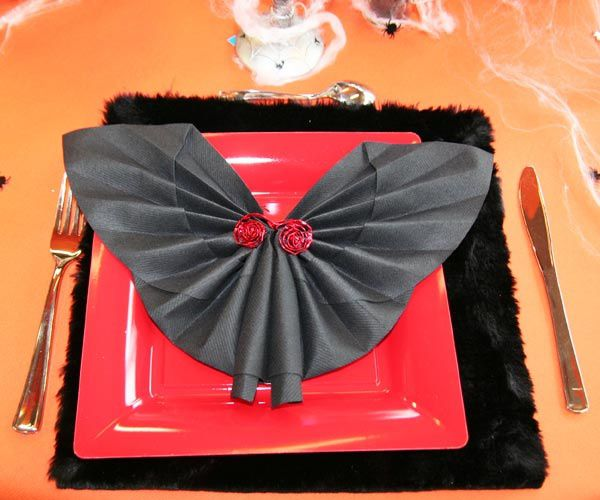 1000 images about pliages de serviette napkin folding on pinterest napkin folding napkins - Pliage serviette halloween ...