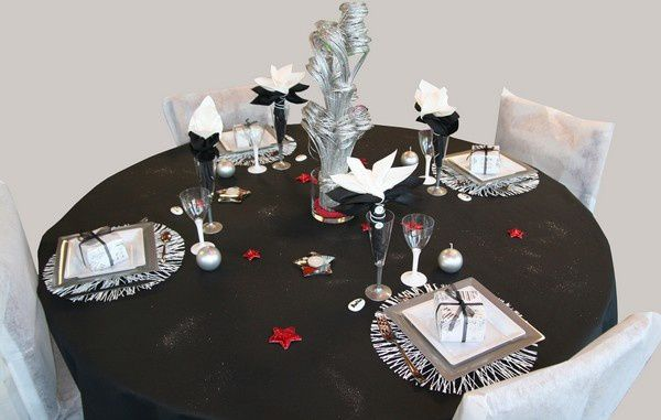 D coration de table r veillon noir argent et rouge for Decoration reveillon