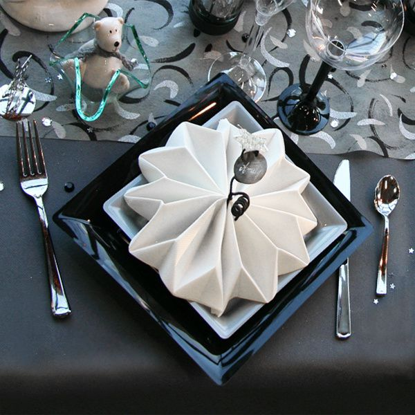 D coration de table no l gris noir blanc d corations f tes - Pliage de serviette en papier flocon etoile ...
