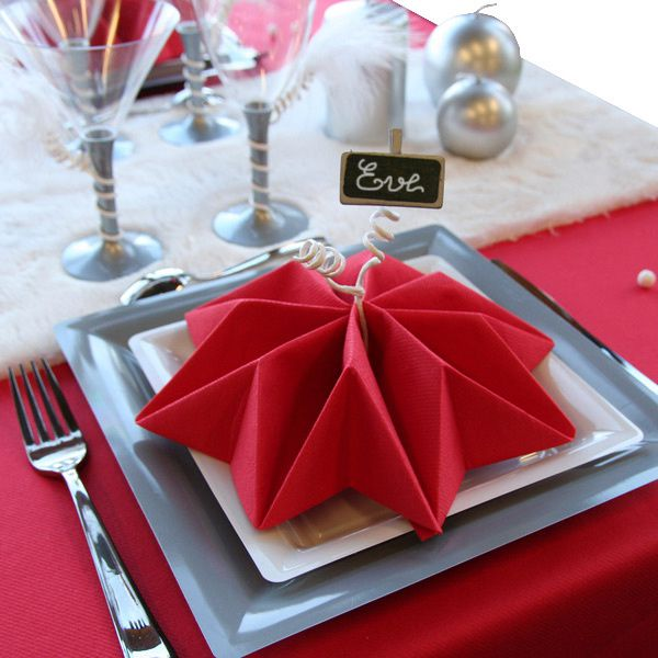 D coration de table no l rouge argent blanc for Pliage serviette papier noel facile