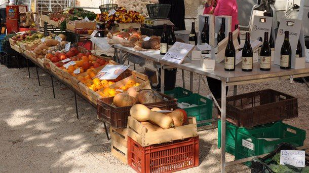 marche-couverts--etals-en-plein-air 0168