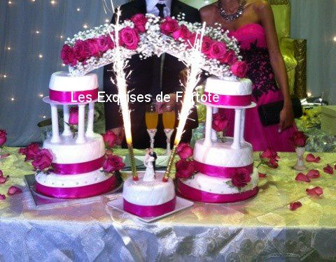 wedding cake rose fschia