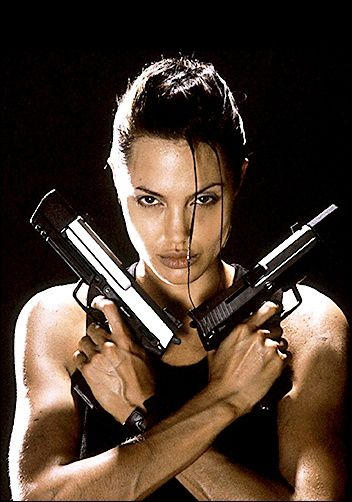 342940-angelina-jolie-as-lara-croft-in-tomb-raider.jpg