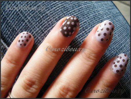 carozibouxy-nail-art-lilas-china-glaze-et-pointilles-smoky.JPG