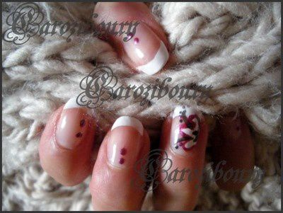 manucure-french-simple-et-douce-ratee-carozibouxy-nail-art.JPG