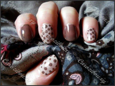 nail-art-carozibouxy-nude-pointilles-marron-simple-facile.JPG