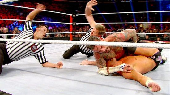 CM-Punk-defeated-Dolph-Ziggler-for-WWE-Title9.jpg